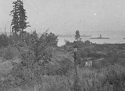 The Montlake Portage, looking east to Union Bay, in 1907 before residential development began. Courtesy of MOHAI 1974.5868.255